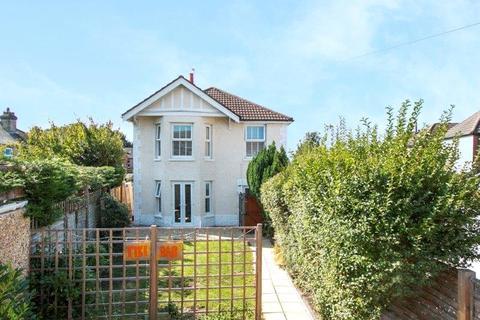 4 bedroom detached house for sale - Loch Road, Alexandra Park, Poole, Dorset, BH14