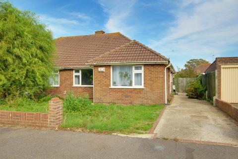 2 bedroom bungalow for sale - Benedict Drive, Worthing, West Sussex, BN11