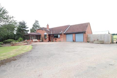 4 bedroom detached bungalow to rent - Welby Lodge Farm, Wartnaby Road, Ab Kettleby