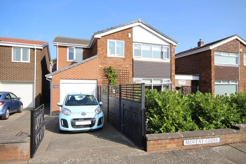 4 bedroom detached house for sale - Moffat Close, North Shields, Tyne and Wear, NE29 8DR