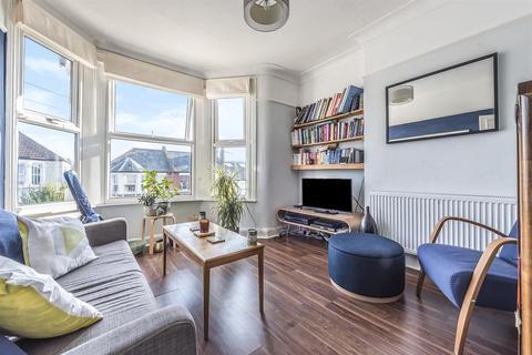 2 bedroom flat for sale - Fordel Road, London, SE6 1XT