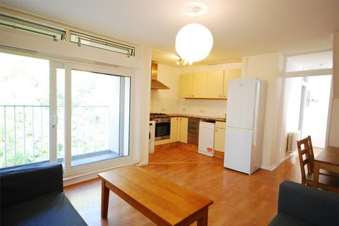 4 bedroom detached house to rent - Cedars Road, Clapham Town, London