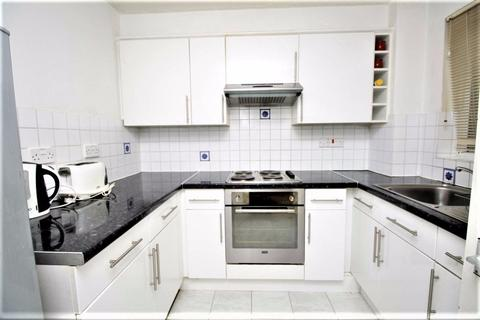 2 bedroom flat to rent - Tyndal Court, Transom Square, Isle of Dogs E14
