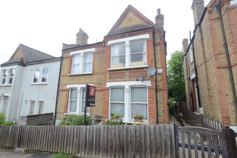 2 bedroom flat to rent - Montem Road Forest Hill SE23