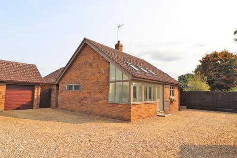 2 bedroom detached bungalow for sale - Twentypence Road, Cottenham