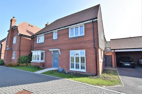 4 bedroom detached house for sale - Goldfinch Drive, Finberry, Ashford