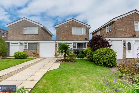 3 bedroom detached house to rent - Heathfield Close, Formby