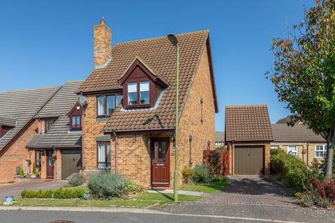 3 bedroom detached house for sale - Curlew Crescent, Royston