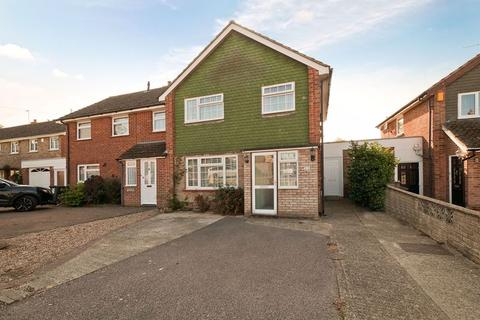 3 bedroom semi-detached house for sale - Pine Ridge, Tonbridge, TN10 3LL