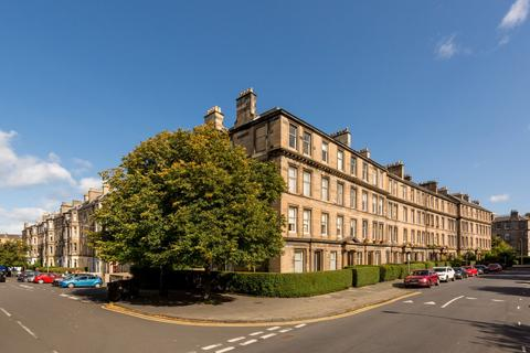 3 bedroom flat for sale - Hillside Crescent, Edinburgh