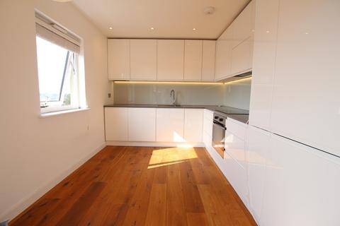 2 bedroom flat to rent - Rosebank Way Acton W3