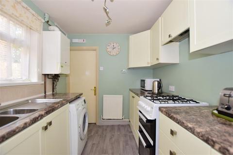 3 bedroom terraced house for sale - Longfellow Road, Gillingham, Kent