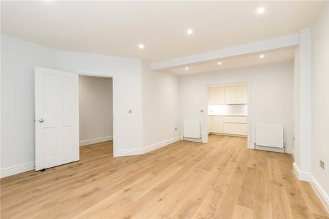 4 bedroom mews to rent - Seymour Mews, Marylebone, London, W1H