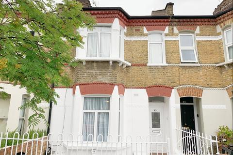 4 bedroom terraced house to rent - Vespan Road, Shepherds Bush, London, W12