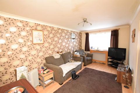 1 bedroom apartment for sale - Leston Close, Rainham, Essex, RM13