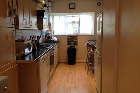 1 bedroom house share to rent - Carlisle Avenue, East Acton, London, W3 7NL