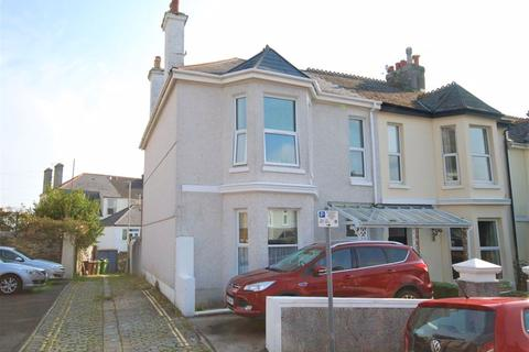 4 bedroom end of terrace house for sale - Hermitage Road, Mannamead, Plymouth. A stunning 4 bedroomed family home with garden and an off road parking space