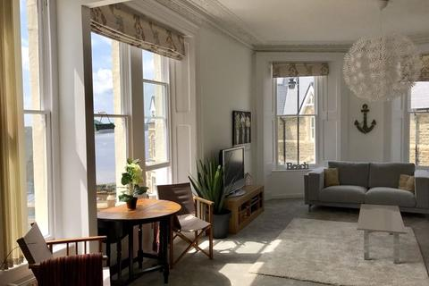 2 bedroom apartment to rent - Marine Parade, Clevedon