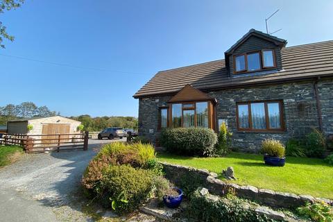 4 bedroom property with land for sale - Ffaldybrenin, Ffarmers, Llanwrda, SA19