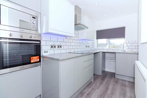 2 bedroom apartment - Sompting Road, Lancing