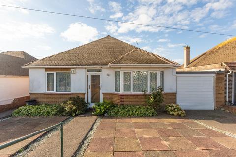 3 bedroom detached bungalow for sale - The Ridgeway, Broadstairs