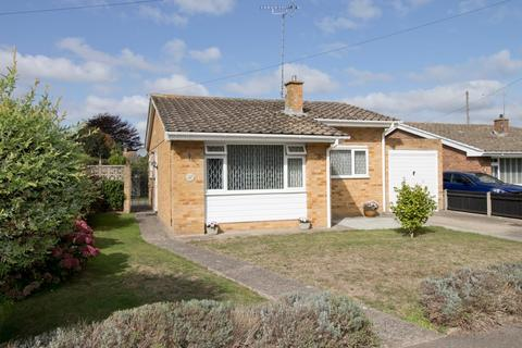 2 bedroom detached bungalow for sale - Reading Close, Walmer, Deal