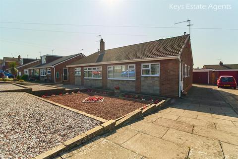 2 bedroom semi-detached bungalow for sale - Gleneagles Crescent, Birches Head, Stoke-On-Trent