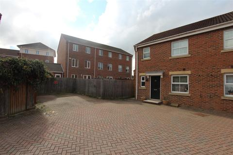 3 bedroom end of terrace house for sale - Moonstone Square, Sittingbourne