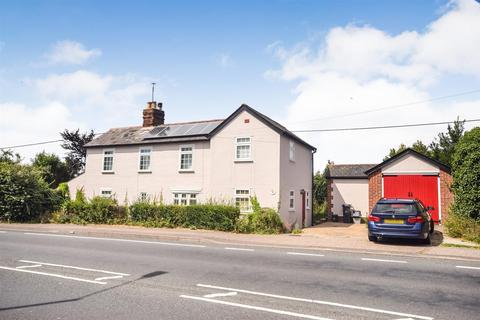 3 bedroom detached house to rent - Wycke Hill, Maldon