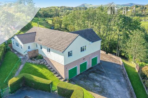 4 bedroom detached bungalow for sale - Ochr-Y-Foel, Eryrys, Eryrys