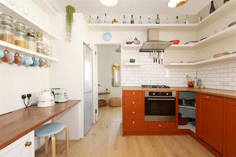 2 bedroom flat for sale - Crescent Road, Wood Green, N15