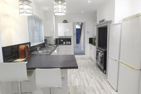 Studio to rent - Desmond Avenue, Hull