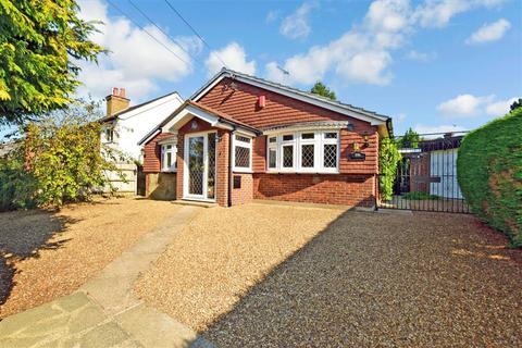 2 bedroom detached bungalow for sale - Main Road, Knockholt, Sevenoaks, Kent