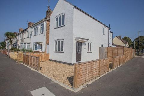 2 bedroom detached house for sale - Thistlemoor Road, Peterborough, Cambridgeshire. PE1 3HR