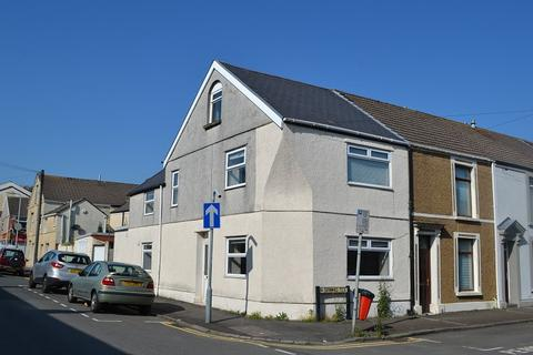 4 bedroom end of terrace house for sale - Spring Terrace, Swansea, City And County of Swansea. SA1 3TD