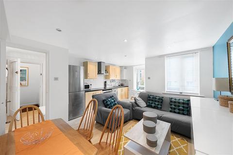 2 bedroom flat to rent - Ascalon Street, SW8