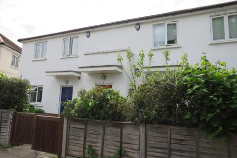 2 bedroom flat for sale - Taylors Green, East Acton, London, W3