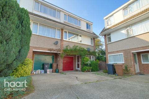 3 bedroom townhouse for sale - St Fabians Drive, Chelmsford