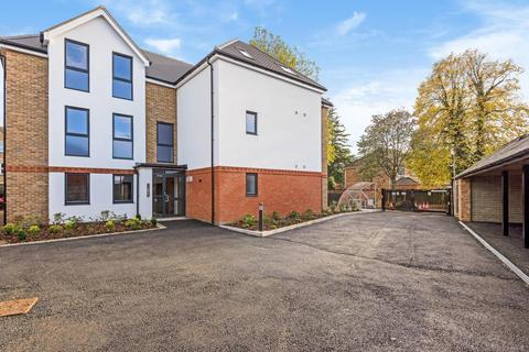 1 bedroom flat for sale - Leacroft, Staines-Upon-Thames, TW18