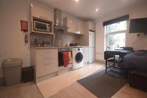 Studio to rent - Southampton Street, Reading, RG1 2RD