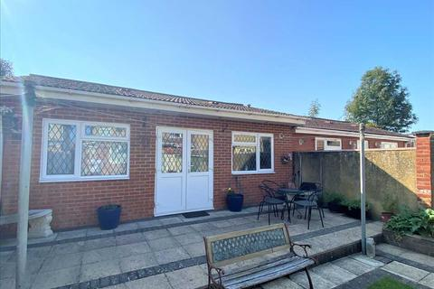1 bedroom apartment to rent - Gloucester Avenue, Slough