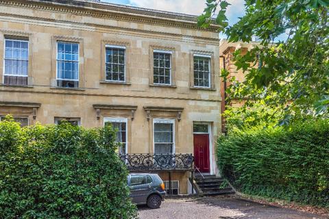 3 bedroom detached house to rent - Bayshill Road, Lansdown, Cheltenham, GL50 3AY