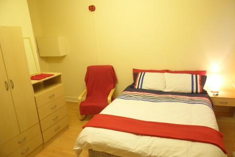 1 bedroom terraced house to rent - bedsit, Gilda Brook, M30