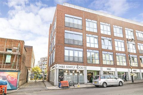 2 bedroom flat for sale - Crouch End Hill, London, N8