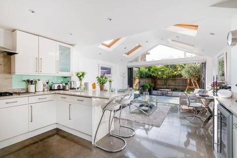3 bedroom townhouse for sale - Beechcroft Road, London, SW17