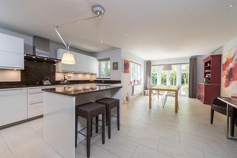 4 bedroom semi-detached house to rent - Iffley Turn, Oxford OX4 4DU