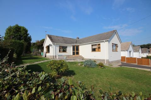 2 bedroom bungalow for sale - Anvil Crescent, Broadstone, BH18