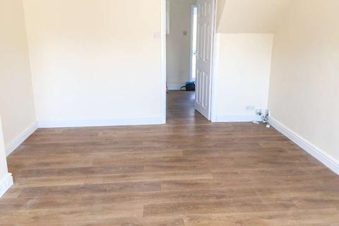 2 bedroom semi-detached house to rent - Foxglove Green, Ashford TN24