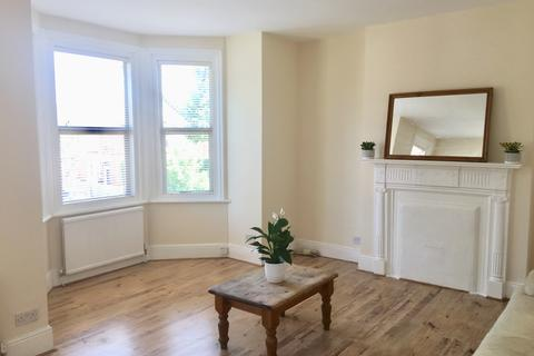 2 bedroom flat to rent - Highlever Road W10