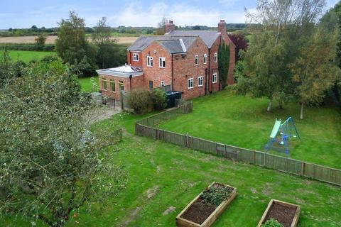 5 bedroom detached house for sale - Storwood, York